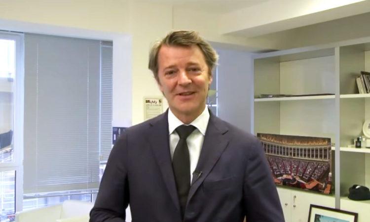 François Baroin, ancien Ministre des Outre-mer apporte son soutien et appelle à voter Didier Robert, le 27 juin prochain. (...)